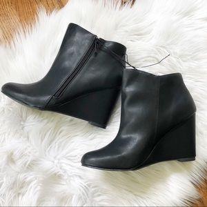 NWT Torrid Black Side Zip Ankle Boots
